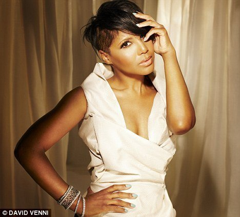 toni braxton2 Hot Shots: Toni Braxton Strikes A Pose In Zurich