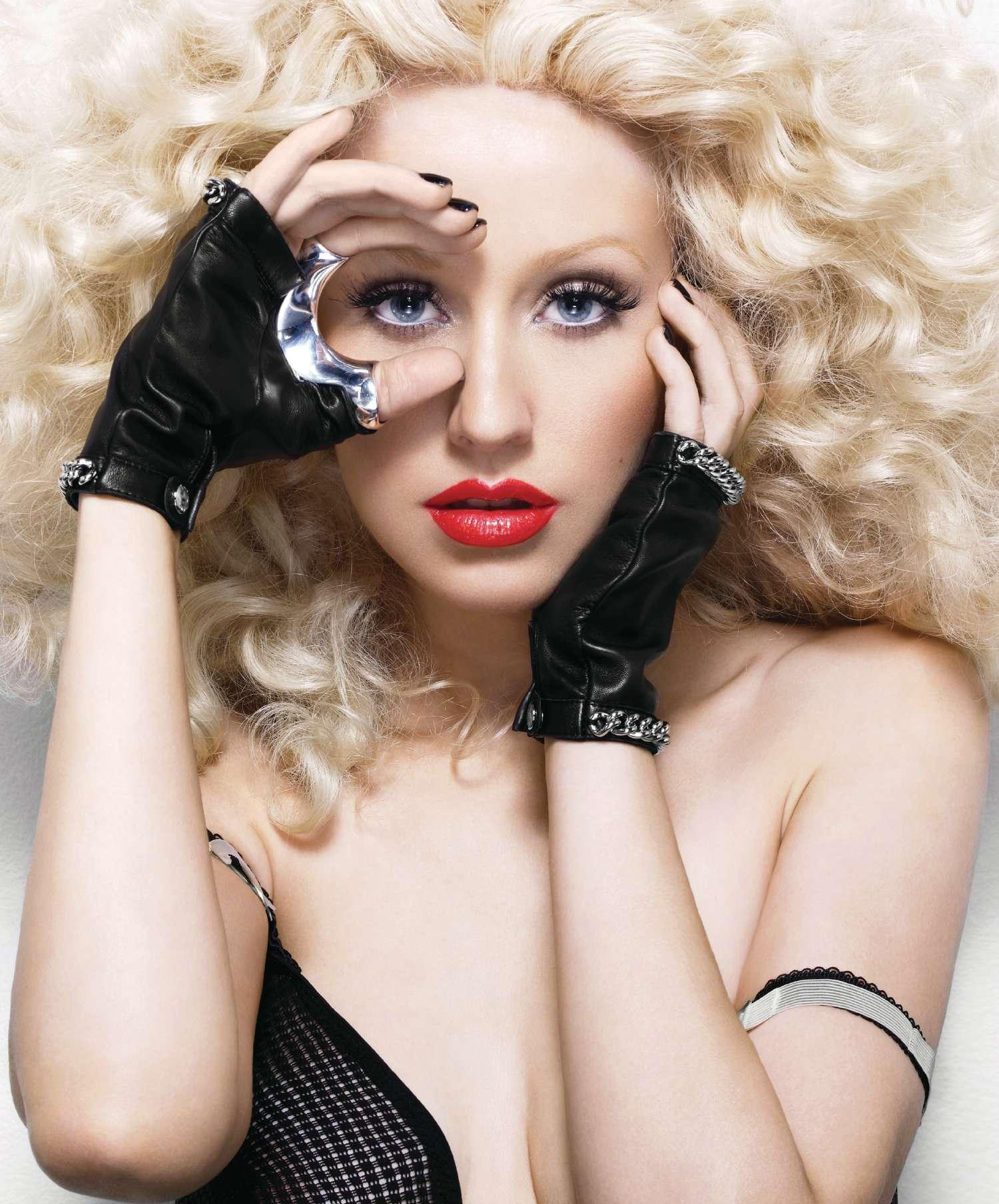 x2 New Song: Christina Aguilera   Bionic