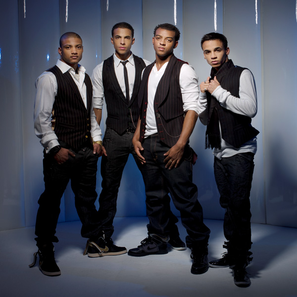 JLS+PNG New Video: JLS   The Club Is Alive