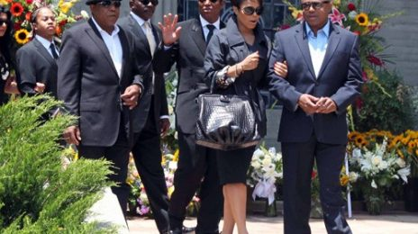 Hot Shot: Janet Jackson Visits Michael's Grave