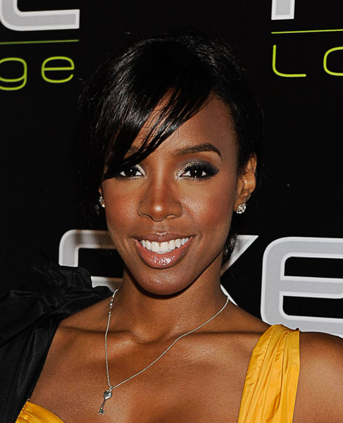 kelly 44 Hot Shots: Kelly Rowland At AXE Lounge