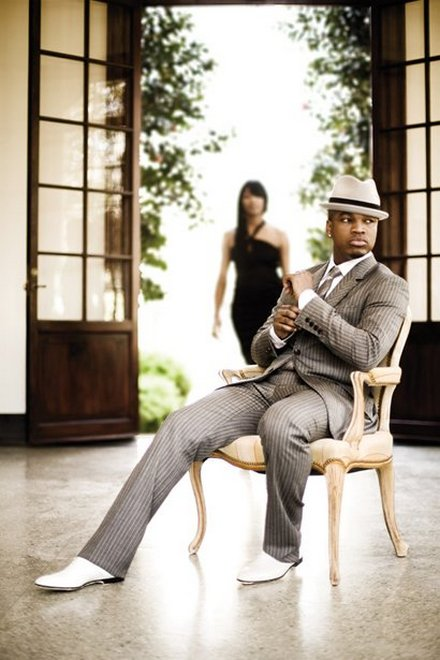 ne yo1 Ne Yo Performs Mini Concert In The Hood