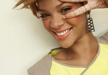 Hot Shots: Rihanna Cover's Seventeen Magazine