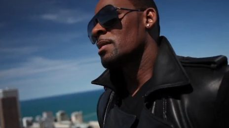 New Video: R. Kelly - 'Sign of A Victory'