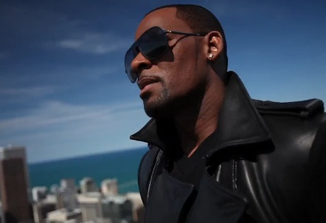 rkelly sign New Video: R. Kelly   Sign of A Victory