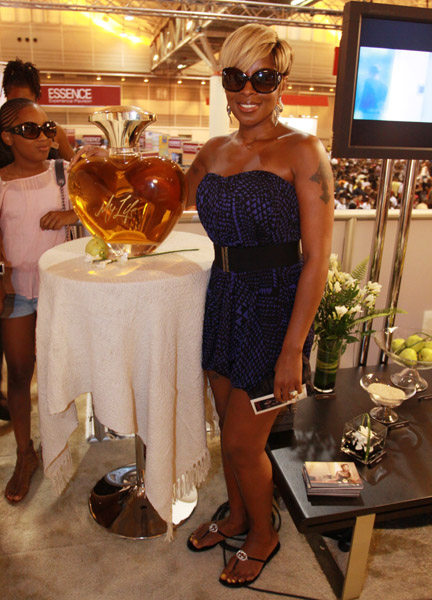 Marymylife Hot Shot: Mary J. Blige Launches New Fragrance