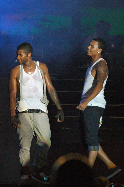 chr Hot Shot: Chris Brown & Usher Together In Jamaica