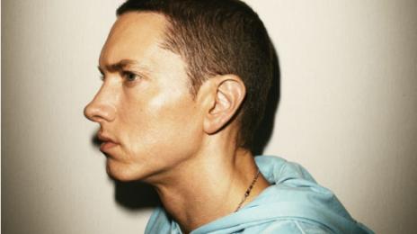 Eminem & Rihanna Perform 'Love The Way You Lie'