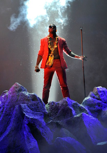 kanye2 Kanye West To Perform At The MTV VMAs
