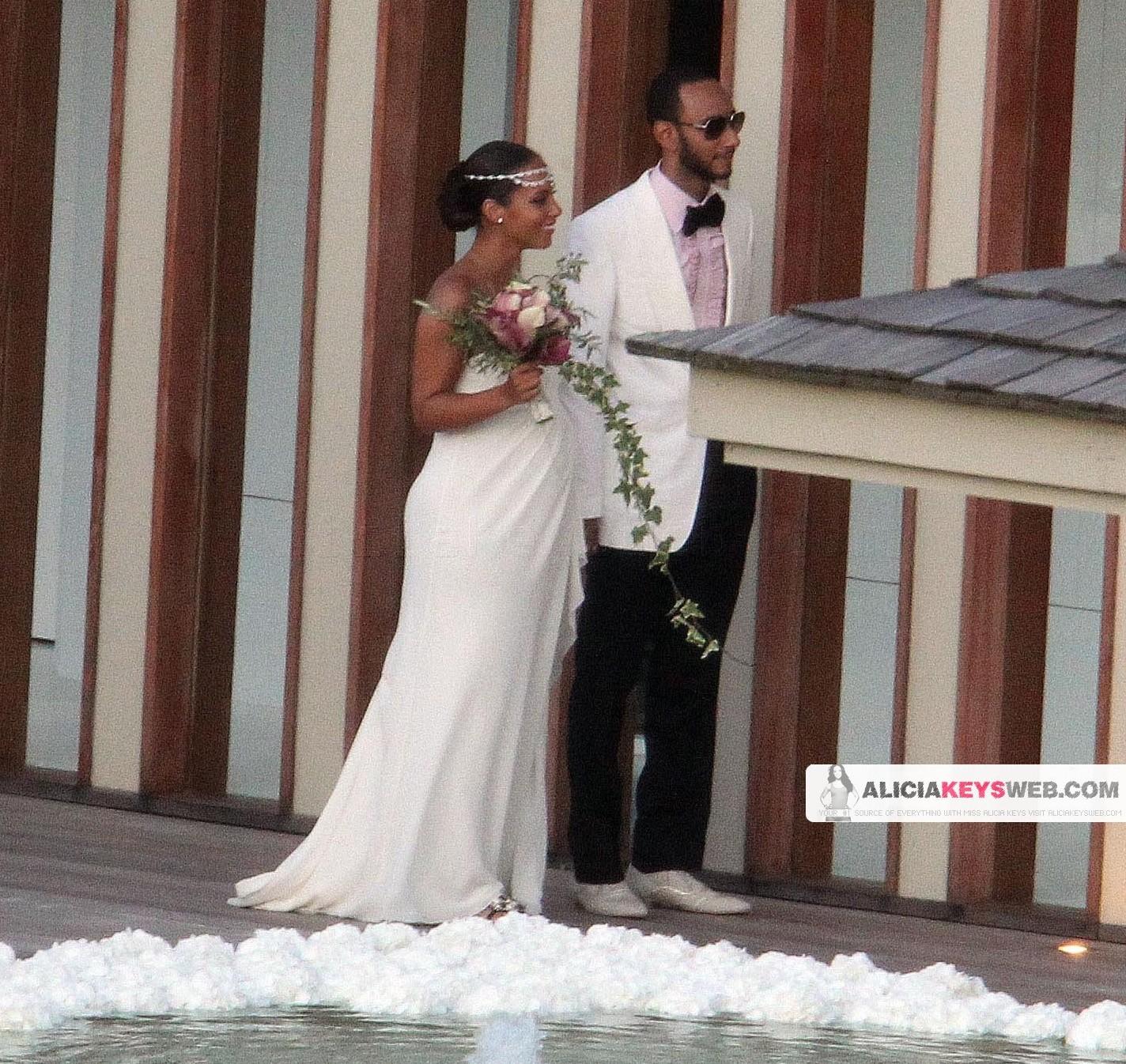 alicia 33 e1280686883933 Hot Shots: Alicia Keys & Swizz Beats Wedding