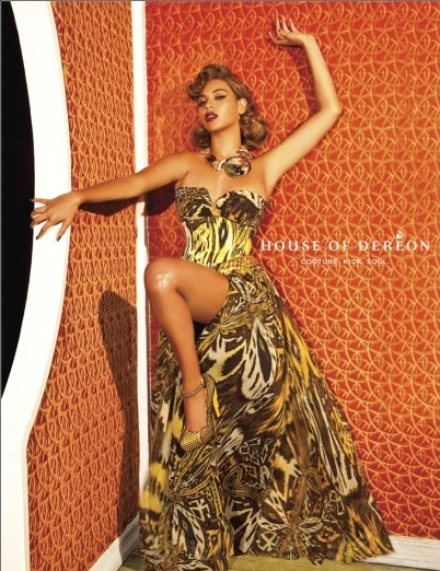 bey dereon23 e1281609639247 Hot Shots: Beyonce Strikes A Pose For Dereon