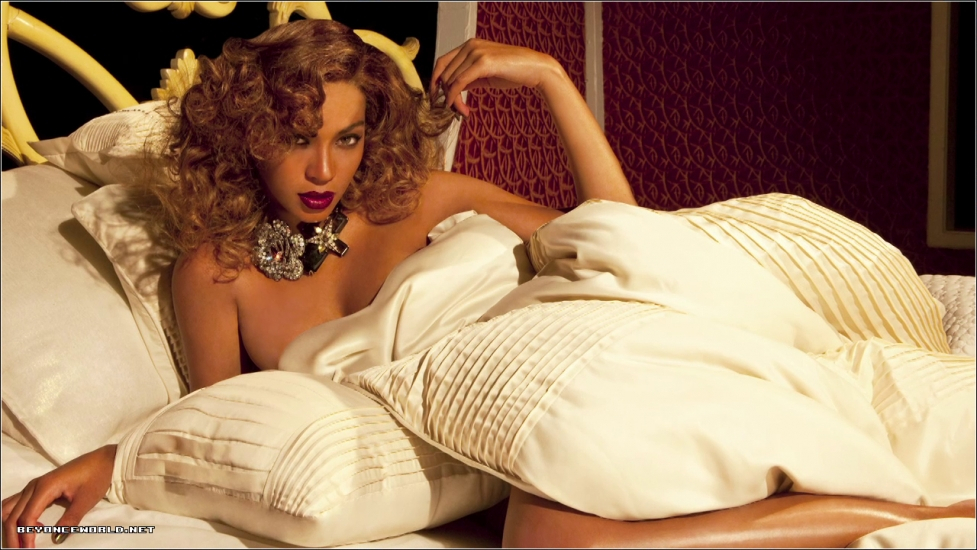 beyonce 456 Hot Shots: Beyonce Strikes A Pose For Dereon