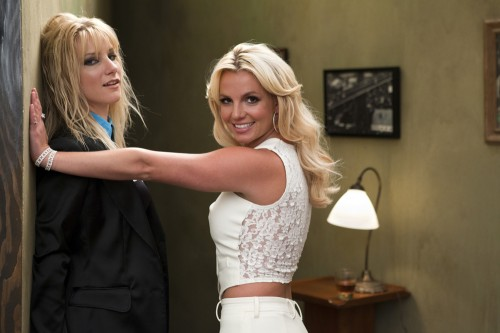 britney glee2 e1282292482413 Hot Shots: Britney Recreates Me Against The Music Video