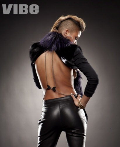 cassie3 Hot Shots: Cassie In VIBE
