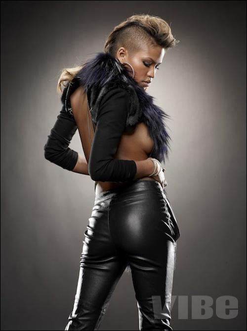 cassie7 Hot Shots: Cassie In VIBE