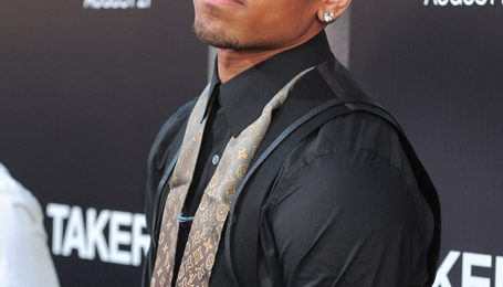 Video: Chris Brown Performs At 'Takers' Premiere