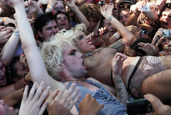 gaga8 Hot Shots: Lady GaGa Rocks Lollapalooza
