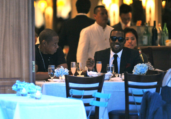 k j Hot Shots: Kanye West & Jay Z Do Dinner