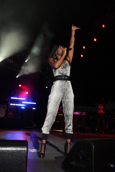 kelly 6 Hot Shots: Kelly Rowland Rocks Beatstock