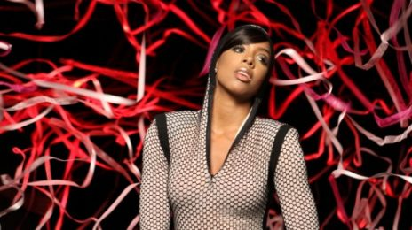 Hot Shots: Kelly Rowland Shoots 3D Video