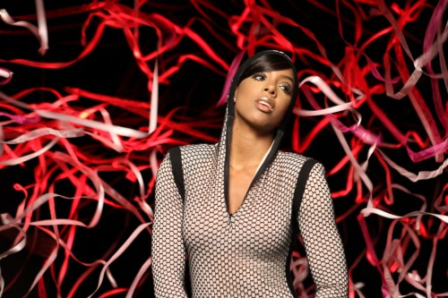 kelly rcg e1281980974921 Hot Shots: Kelly Rowland Shoots 3D Video