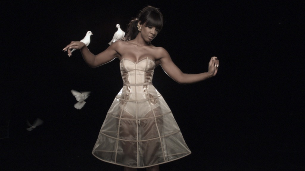 kelly rcg6 Hot Shots: Kelly Rowland Shoots 3D Video