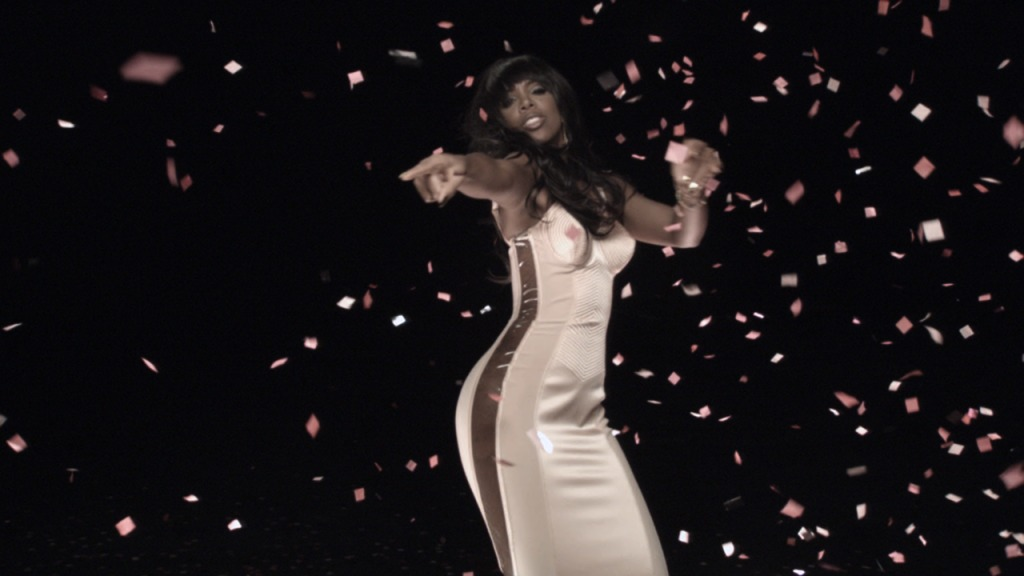 kelly rgc 2 Hot Shots: Kelly Rowland Shoots 3D Video