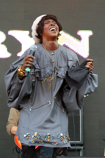 lauyrn 4 Lauryn Hill Hints At New Album