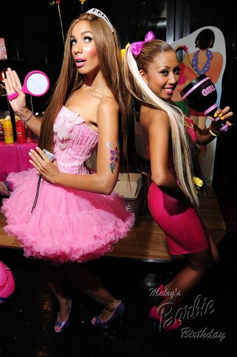 leona 8 Hot Shot: Leona Lewis As Barbie