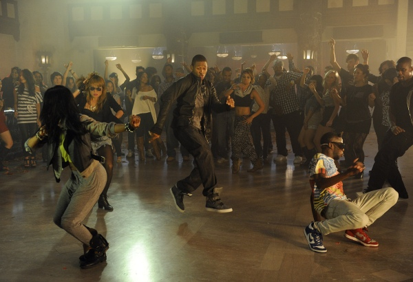 usher 6 Hot Shots: Usher On Set Of DJ Got Us Falling In Love Video