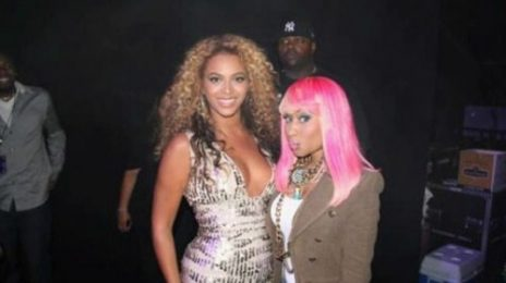 Hot Shot: Beyonce and Nicki Minaj Backstage
