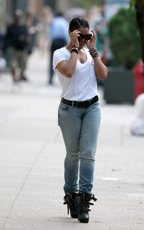 janetboyf2 Hot Shots: Janet Jackson & Boyfriend Spotted In NYC