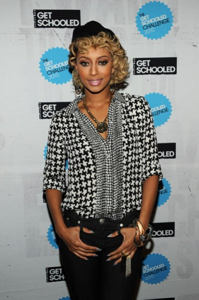 keri hilson 32 e1285438716121 Keri Hilson Performs At Get Schooled