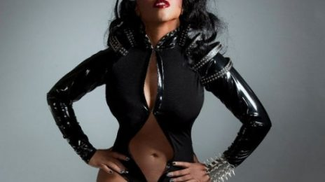 Lil Kim Hints At Mary J Collabo; A Diss of Nicki Minaj & Keyshia Cole?