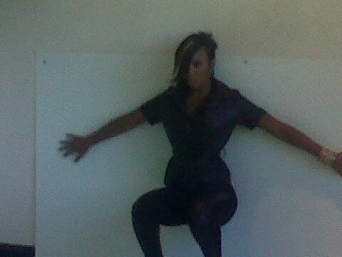 kk s Hot Shots: Kelly Rowland Cuts Hair