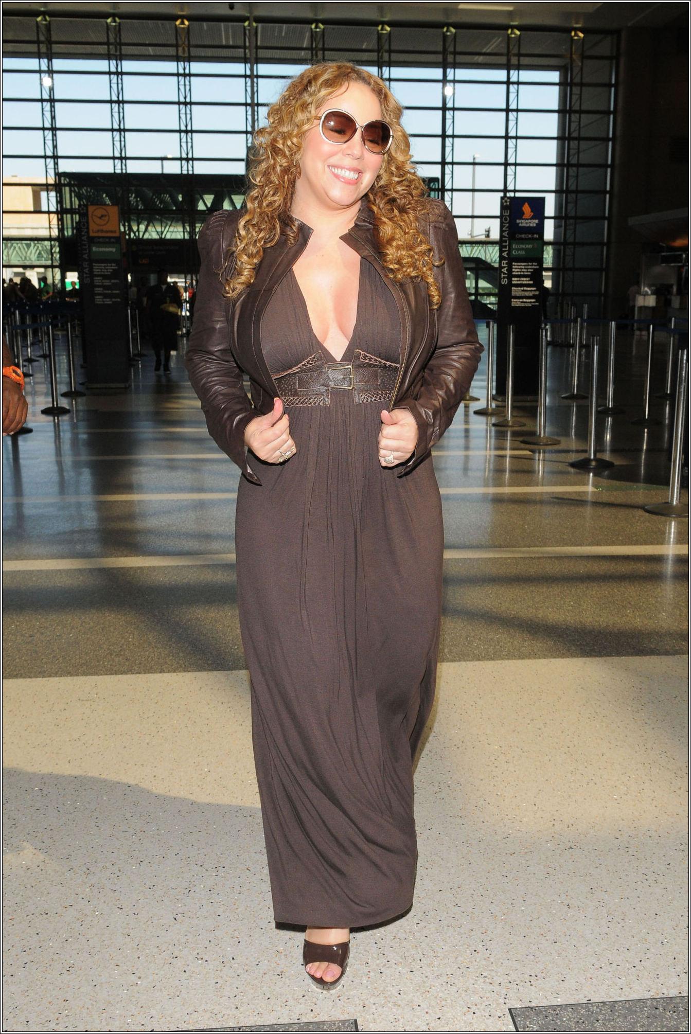 mariah2 Hot Shots: Mariah Carey At LAX