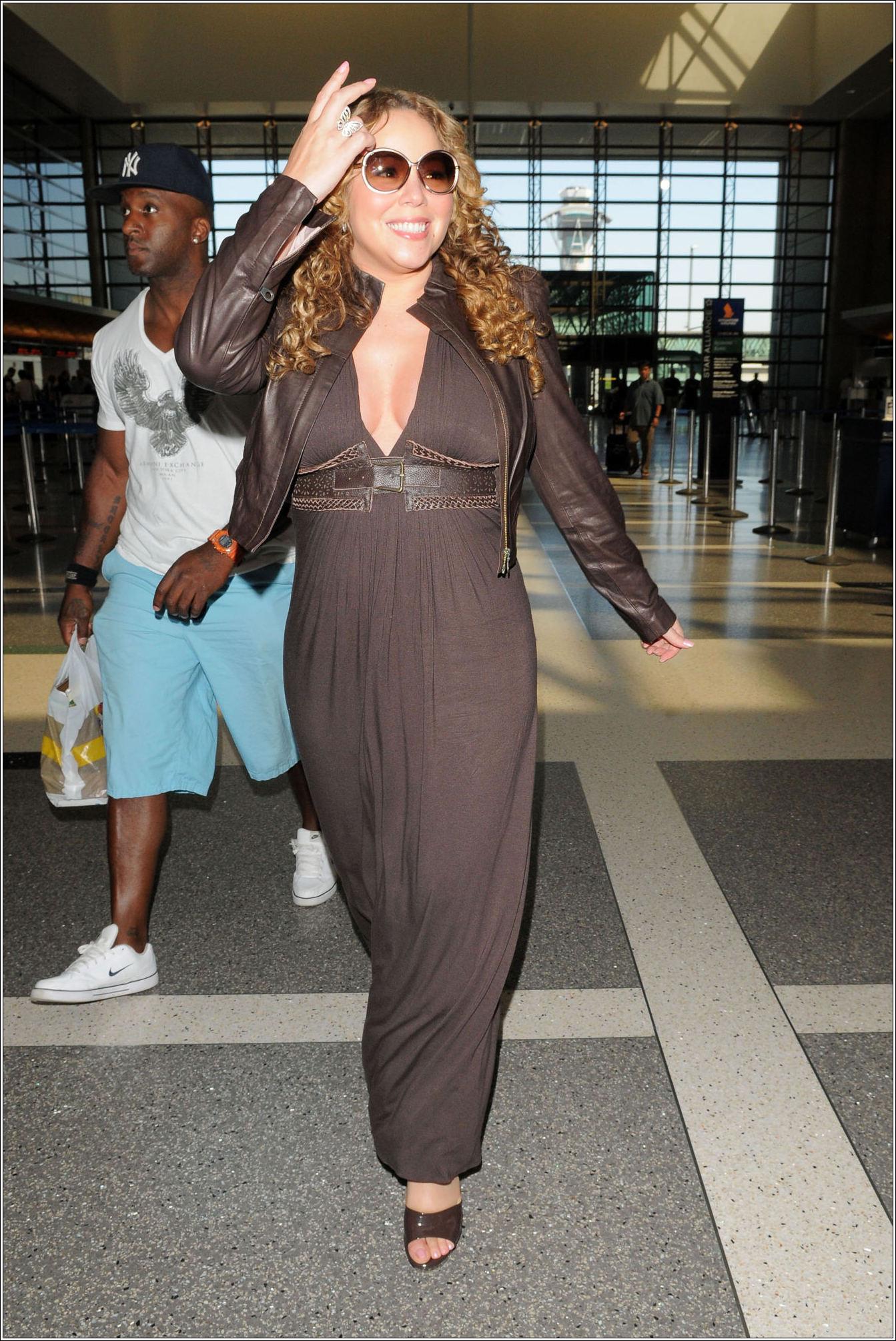 mariah5 Hot Shots: Mariah Carey At LAX