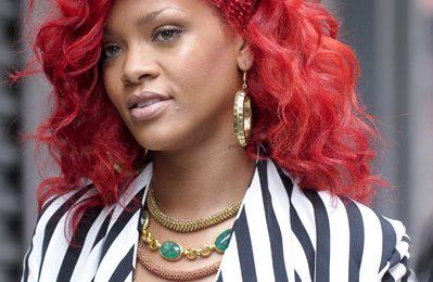 Rihanna Talks About 'Loud', Drake Collaboration & More