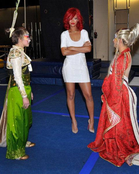 rihannaclown Caption This: Rihanna Visits Cirque du Soleil In Las Vegas