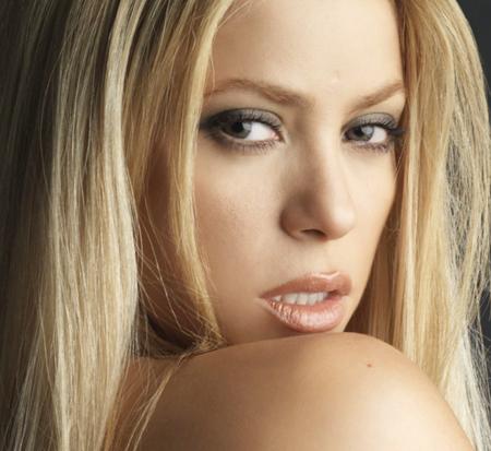 shakira1 Shakira Performs Loca On Letterman