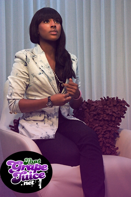 alexandra 23a Alexandra Burke Leaves Label; Signs Joint Deal