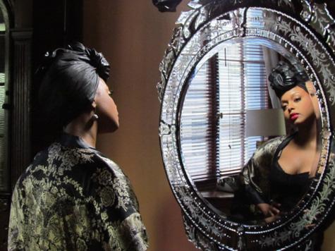 chrisette1 Hot Shots: Chrisette Micheles Im A Star Video