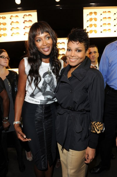 janet naomi e1286366596528 Hot Shots: Janet Jackson & Naomi Campbell Pose In Paris