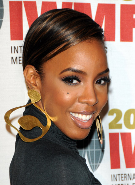 kelly smile Hot Shots: Kelly Rowland At Courage Awards