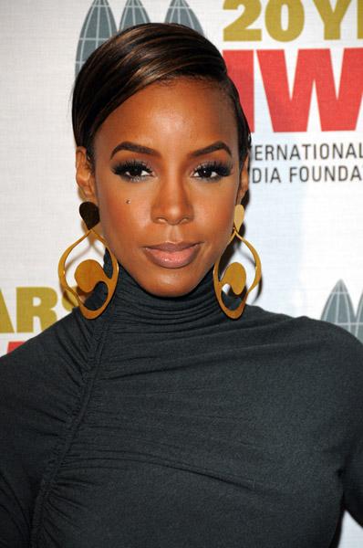 kelly yas Hot Shots: Kelly Rowland At Courage Awards