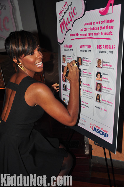 kelly3 Hot Shots: Kelly Rowland Gets Honored In ATL