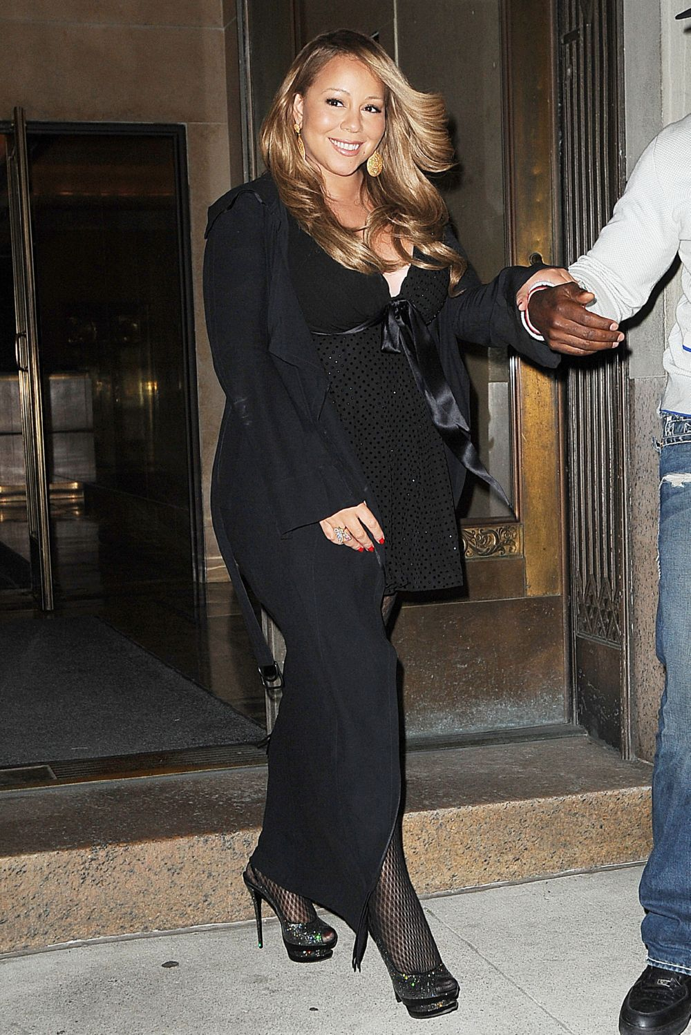 mariah3 Hot Shots: Mariah Carey Celebrates Nick Cannons Birthday In NYC