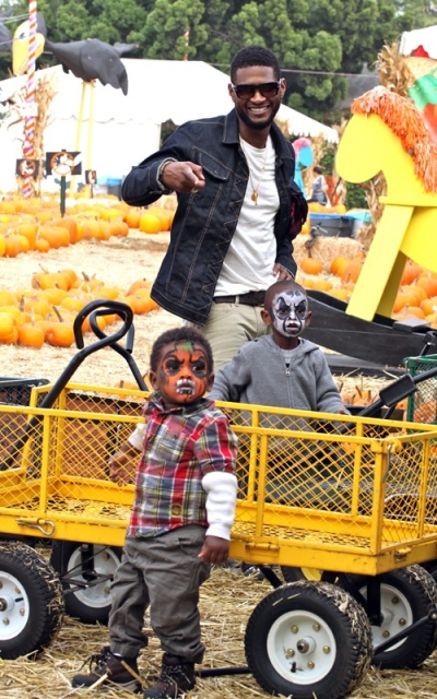 usher5 Hot Shots: Usher Spends Birthday With Sons In Pumpkin Patch