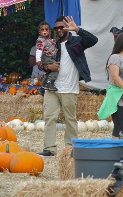 usher6 Hot Shots: Usher Spends Birthday With Sons In Pumpkin Patch