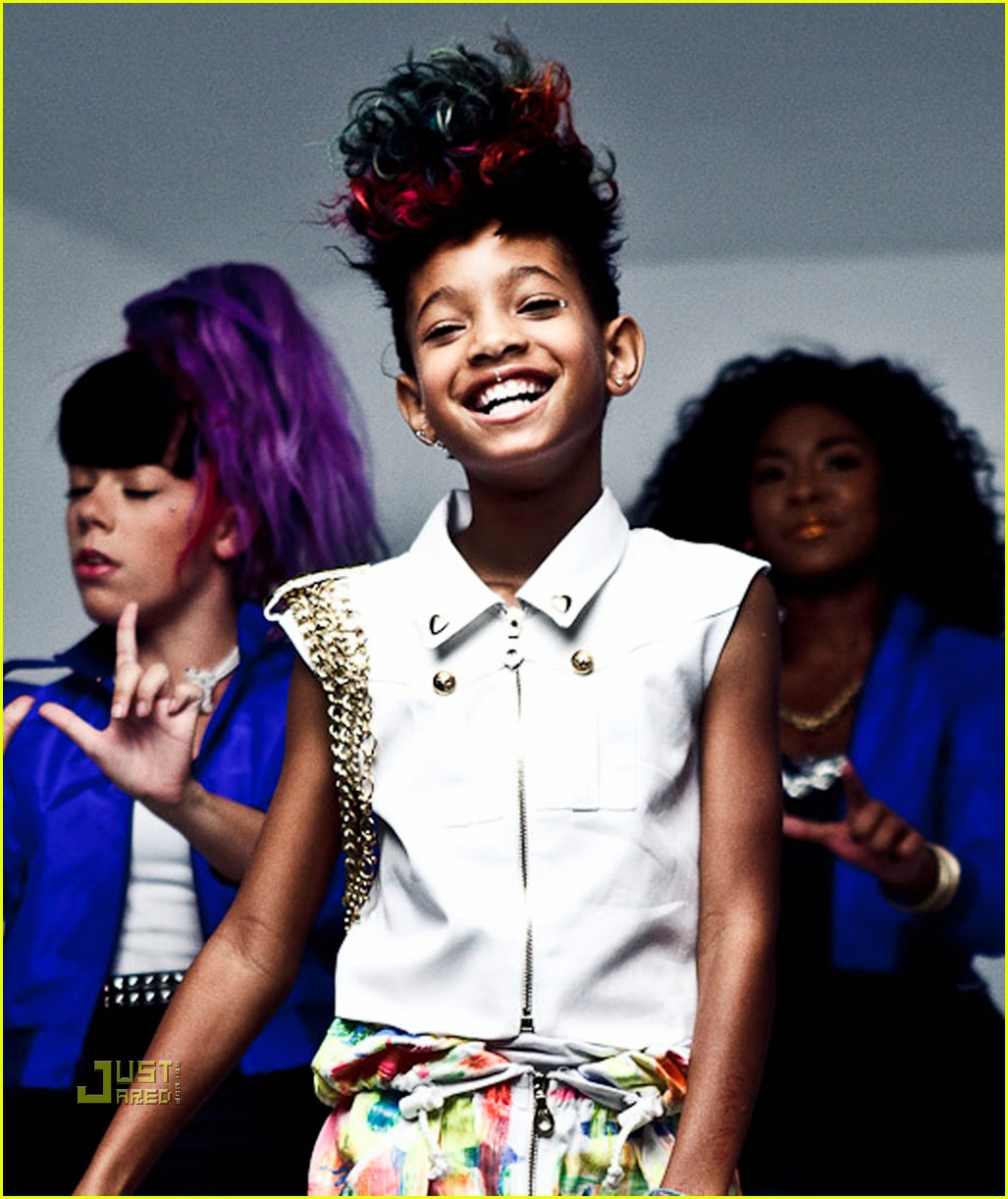 willow smith whip my hair premiere 01 Hot Shots: Willow Smith Whip My Hair Video Stills